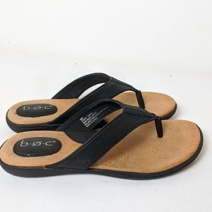 B.O.C. black cushioned sandals flip flops